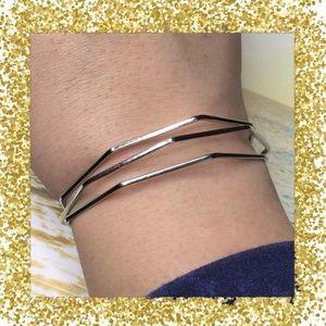 Jewelry - Silver Toned Geometric Bracelet